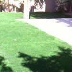 התקנת דשא סינטטי בחצר בית פרטי בנתיבות
