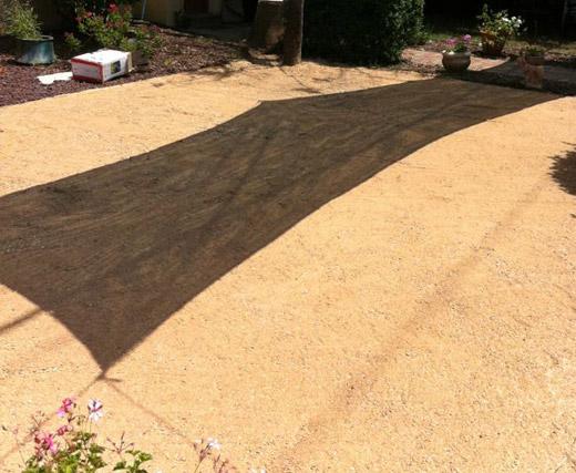 תהליך התקנת דשא סינטטי שלב 1 פיזור מחלוטה תמיד ירוק 4