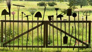 תמונת רקע לדף אביזרים להתקנת דשא סינטטי תמיד ירוק